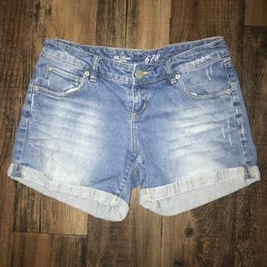 The Limited mis rise jean shorts!